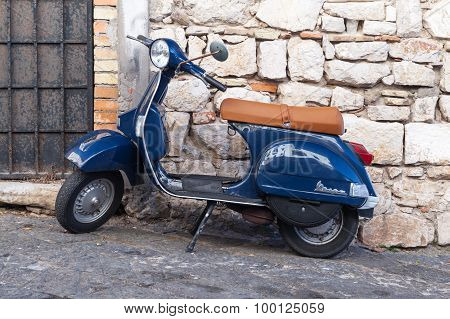 Classic Blue Vespa Px 150 Scooter
