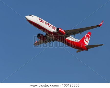 Red-white Boeing 737-86J Air Berlin