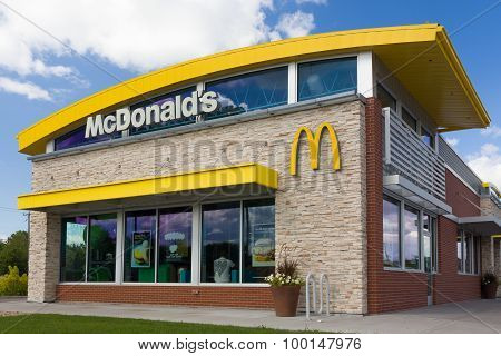 Contemporary Mcdonald's Restaurant Exterior