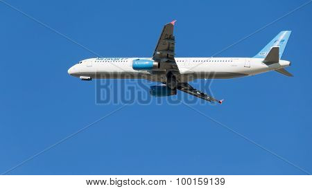 Blue And White Airbus A321-231 Passenger