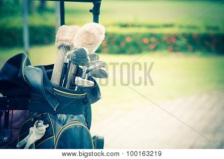 Set Up New Golf Clubs On A Bag