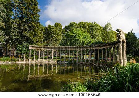 Roman ruins in Monceau Park in Paris, France