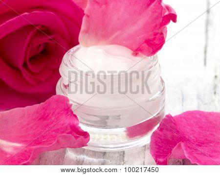 natural facial cream with roses, fresh as roses
