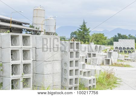 Various Types Of Prefabricated Concrete For Discharges