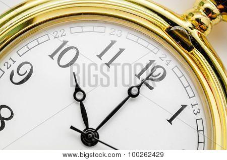 Ten O clock.