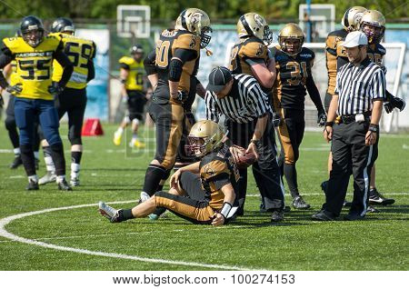 Referee Help To Stand Up I. Goloveshkin (21)