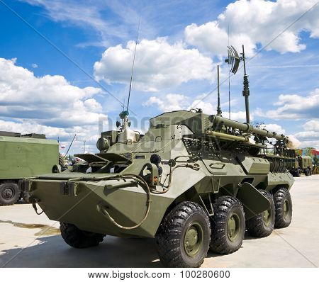 UNSH-10 on the basis of BTR-80