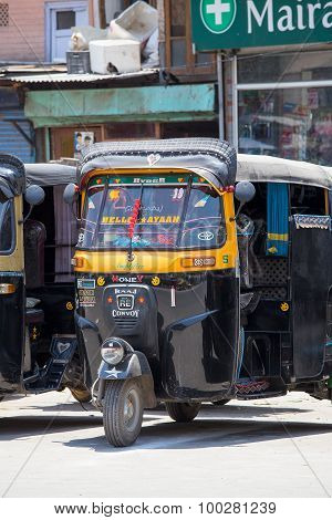 Auto Rickshaw Taxi On A Road In Srinagar, Kashmir, India.
