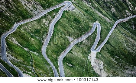 Stelvio Pass - Asphalt Road