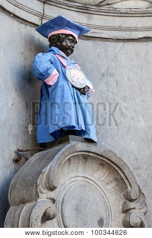 Manneken Pis Sculpture In Brussels, Belgium