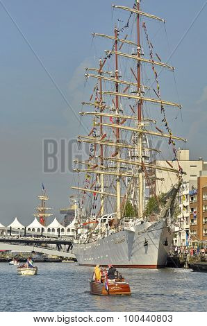 The Dar Mlodziezy Tall Ship