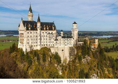 Neuschwanstein Castle In Autumn Sunny Day-germany