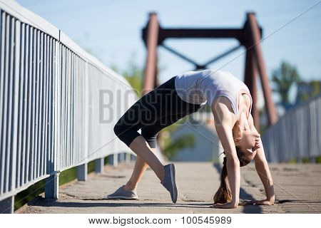 Street Yoga: Bridge Pose