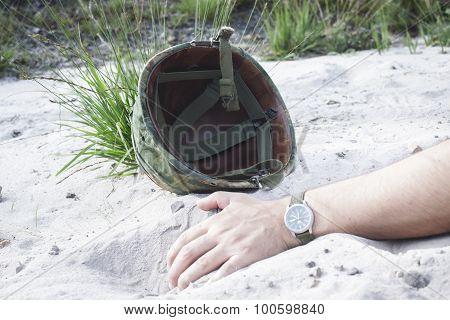 Helmet Hand
