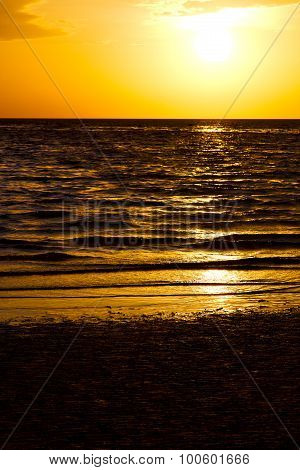 Asia In The  Kho Tao Bay Isle Sunset  South China   Sea