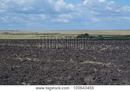 Rural landscape field with arable, far horizon
