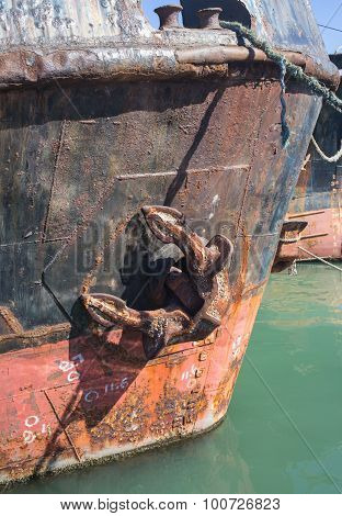 container ship in import