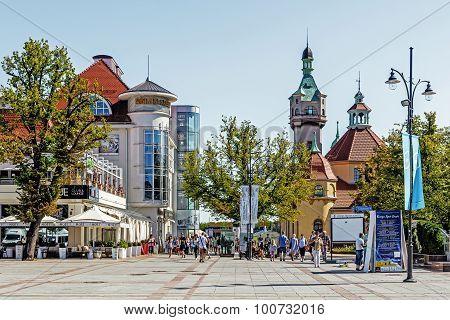 Scenes from main promenade in Sopot