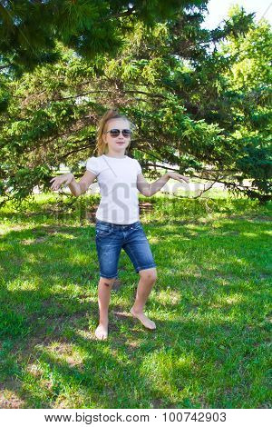 Dancing Girl In Sunglass With Sore Knee