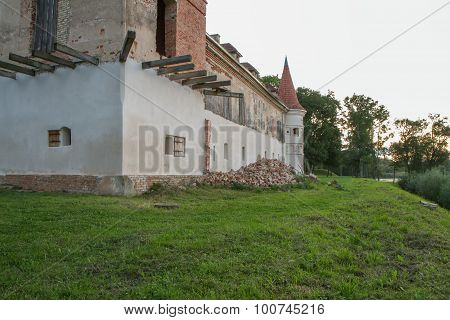 Reconstruction Of The Old Manor House