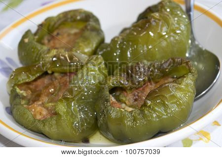 Peppers With Stuffing Of Tuna And Crumb