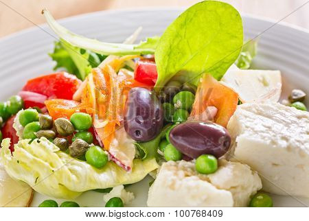 Mix Vegetable Salad With Cheese