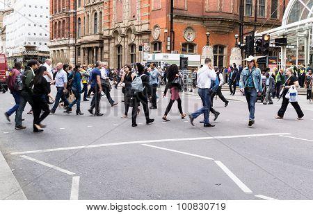 Commuters Crossing Bishopsgate Road Towards London Liverpool Street