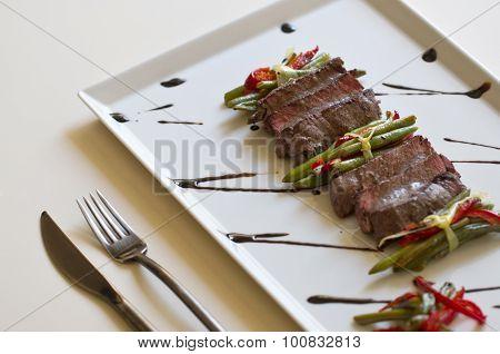 Juicy Flank Steak With Vegetables
