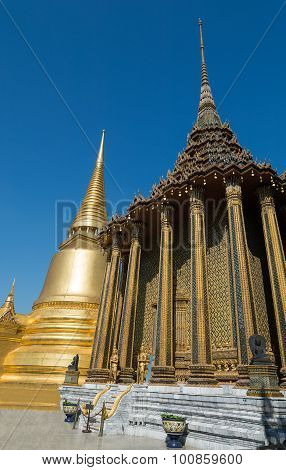 Phra Mondop Library