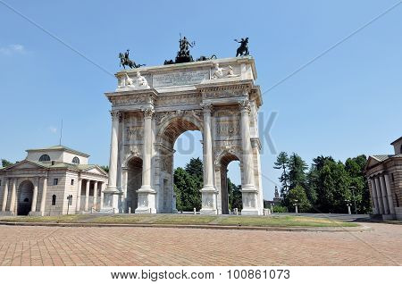 Milan - Arch Of Peace