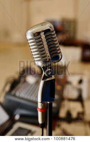 Vocal Microphone Radio Station