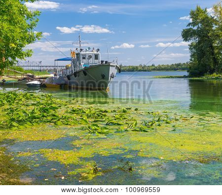 Old rescue boat on a Dnepr river