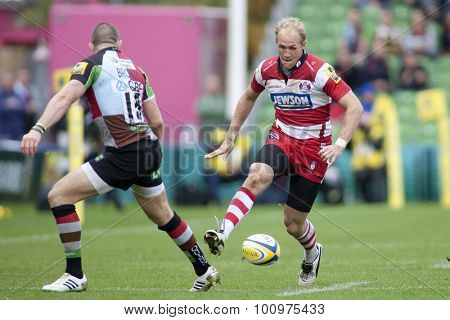 TWICKENHAM, ENGLAND. 17 SEPTEMBER 2011. Gloucester's Olly Morgan,  in action during the Aviva premiership rugby union match between Harlequins and Gloucester played at The Stoop Twickenham.