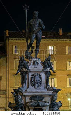 statue of neptune bologna