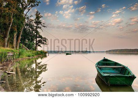 rowing boat on the Lake Elk