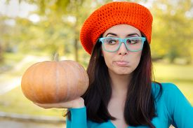 foto of beret  - Curious autumn girl with crocheted beret - JPG
