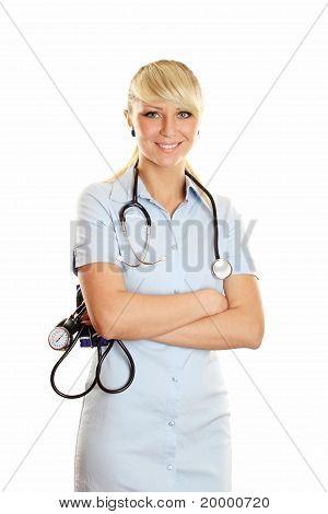 Jeune médecin avec un manomètre