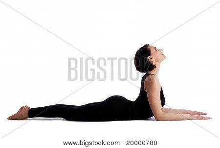 vrouw terug bochten yoga asana - sphinx pose geïsoleerd