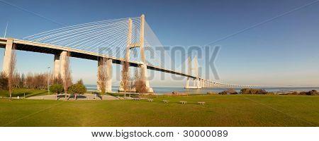 Vasco da Gama 桥
