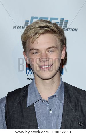 LOS ANGELES - FEB 15:  Kenton Duty arrives at the