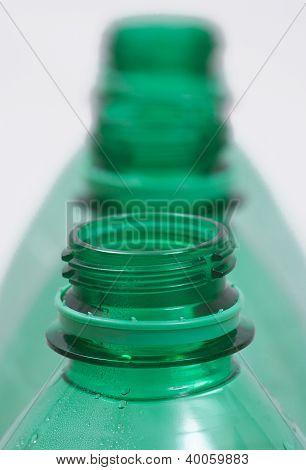 Gargalo de garrafas de plástico