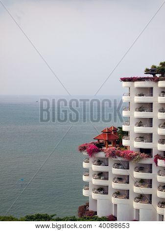 Hotel On The Sea Shoe