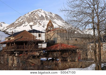 Torrest�o village in the province of Le�n