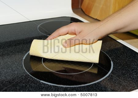 Cleaning The Cooktop
