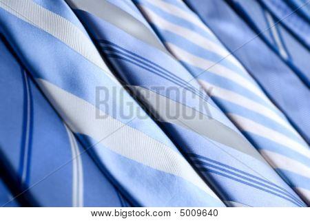 Gravatas azuis