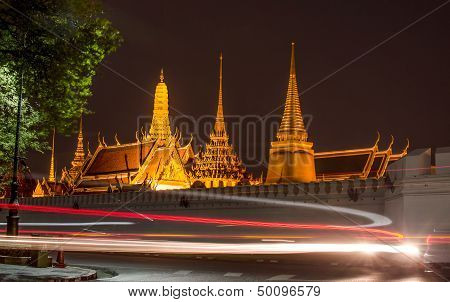 The Grand Palace And Wat Phra Kaeo In Bangkok