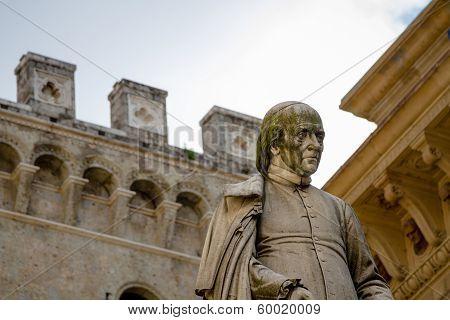 Statue, Siena, Italy