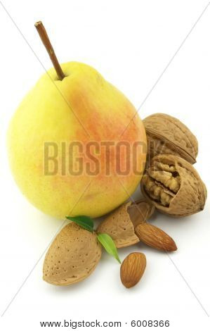 Sweet Pear With Nuts