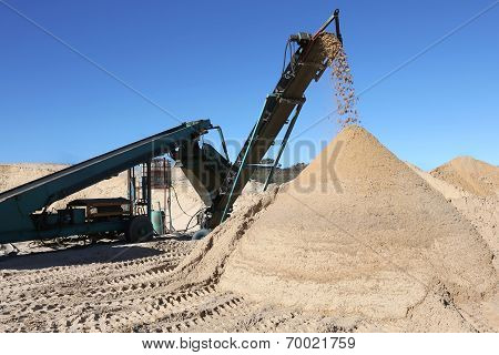 Sand Pile And Screening Machine