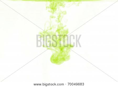 green color dissolving in water